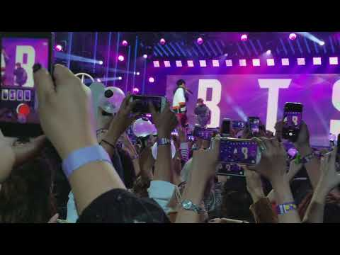 Download Youtube: BTS Mini Concert at Jimmy Kimmel Live 171115