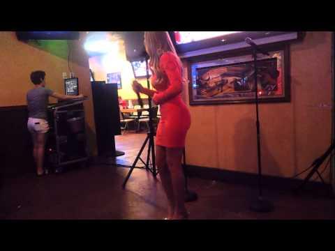 Smoking hot girl singing karaoke at Potts