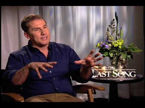 """""""The Last Song""""- Nicholas Sparks Interview"""