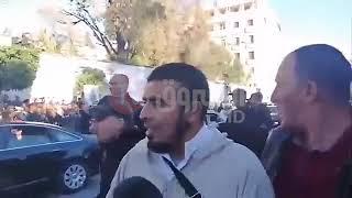 بقلوب حزينة ...المواطنون يتوافدون الى قصر الشعب لالقاء النظرة الاخيرة على الفقيد  قايد صالح
