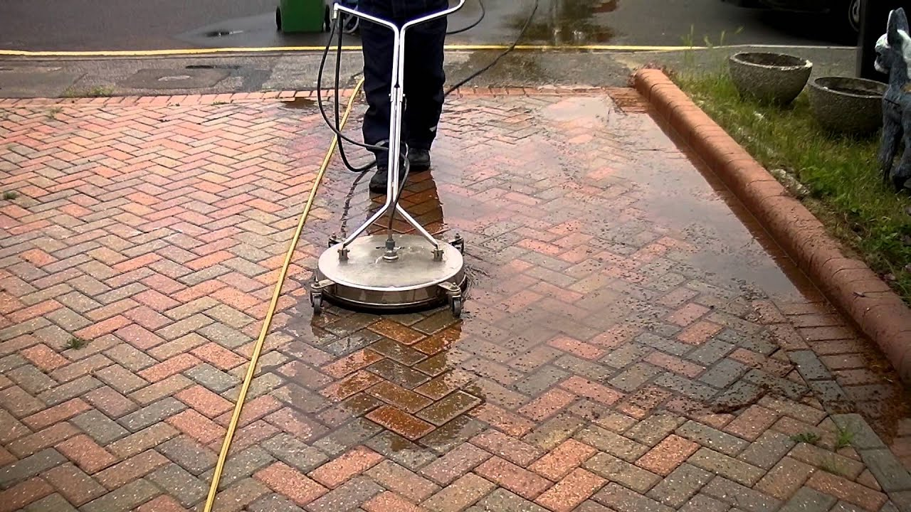 Block paving cleaning driveway with a mossmatic flat for Concrete surface cleaner