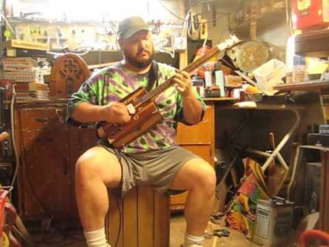 Vintage cedar jewelry box guitar / CBG B2L   demo