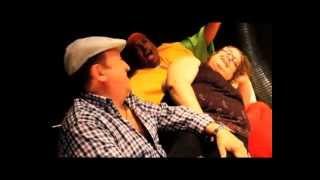 King Africa y Fernando Esteso - LA RAMONA  Exito del verano (clip oficial)