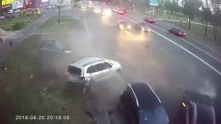 Авария! BMW снес несколько авто на Днепровской набережной, Киев - 20.08.2018