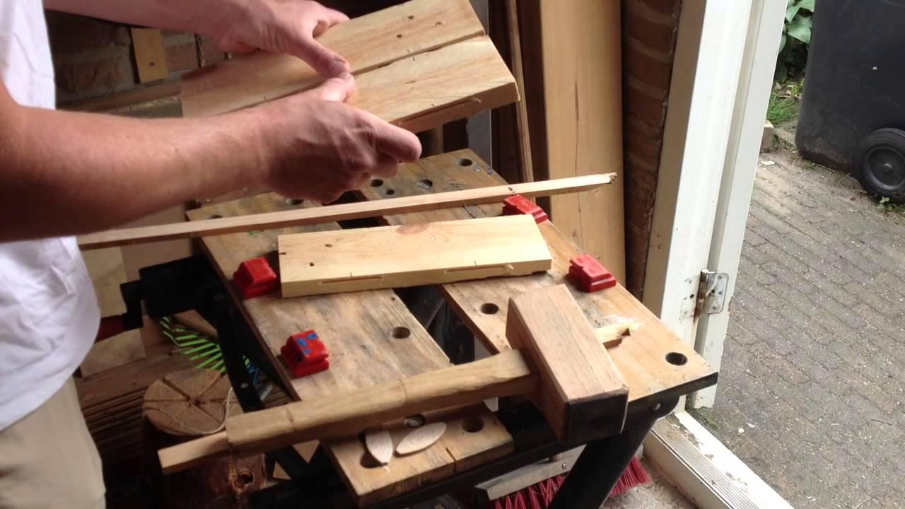 Kindertafel En Stoel : Hoe maak je van pallethout een kindertafel en stoel youtube