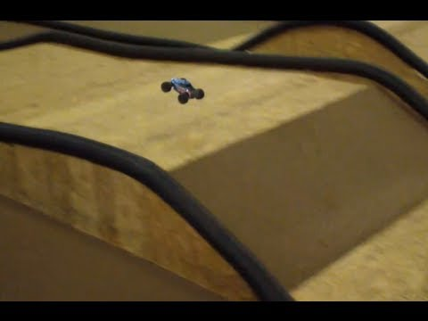 Associated RC18MT :: Track Bash