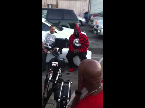 Suga free gettin interviewed and E-40 rolls in!