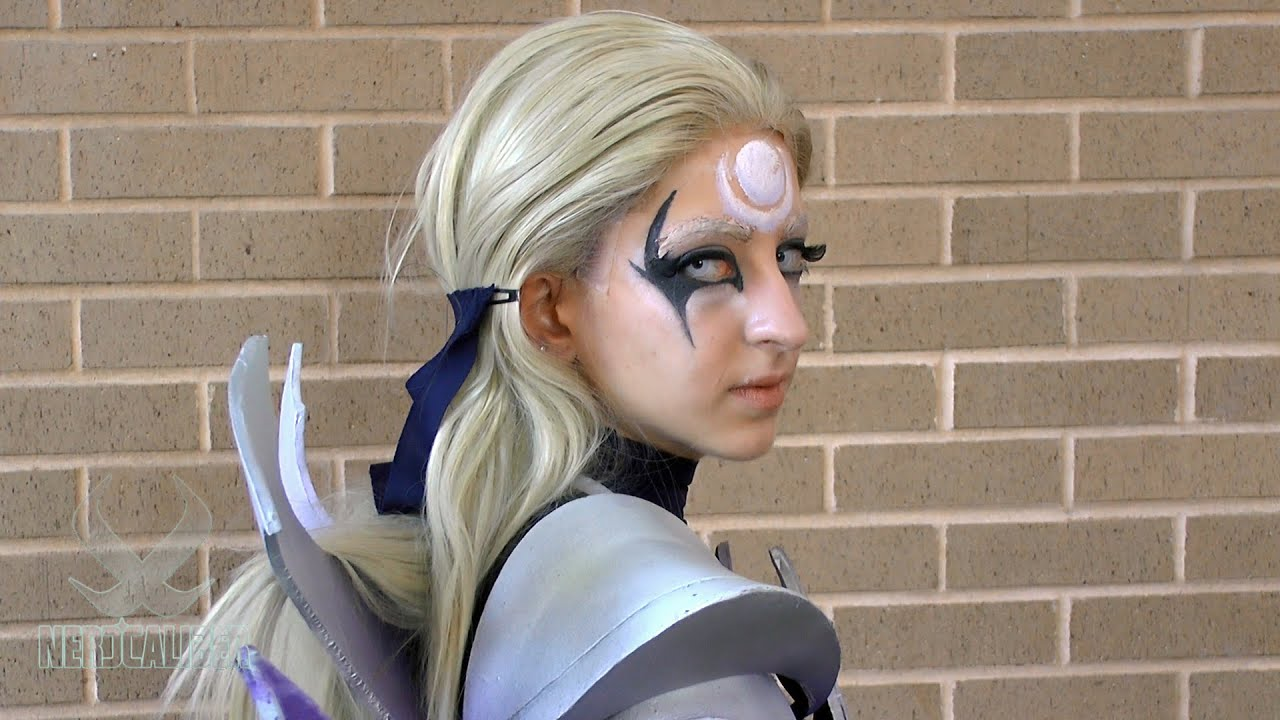 DIANA! League of Legends Cosplay at ConnectiCon 2014 - YouTube