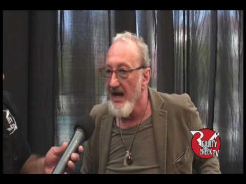 "Robert Englund ""Freddy Krueger"" at Sillicon Valley Comic Con 4/23/17"