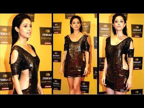 Nushrat Bharucha DAZZLES Red Carpet In Metallic Dress At Teachers Golden Thistle Awards. Mp3