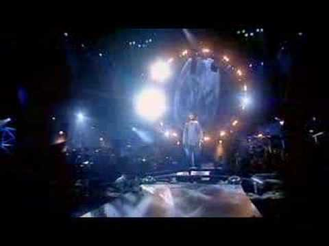 Celtic Woman - Walking In The Air