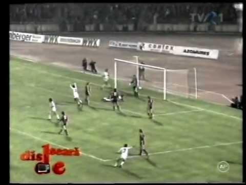 DINAMO  - HAMBURGER SV 3- 0 /1983- 1984/