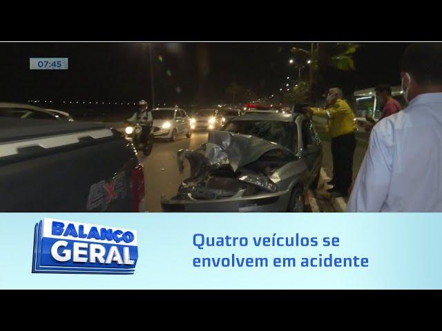 Engavetamento: Quatro veículos se envolvem em acidente na Avenida Assis Chateaubriand