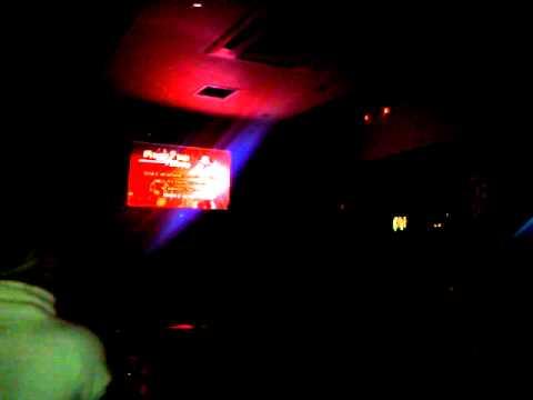 ola s'agapane(stellaras karaoke sto cine club tou peramatos)