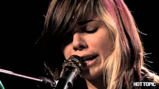 "Hot Sessions: Christina Perri ""Arms"""
