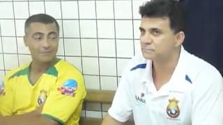 Ricardo Rocha faz Romário se contorcer de rir360p)