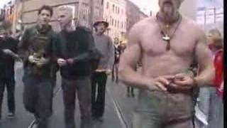Techno Viking vs. Feindflug