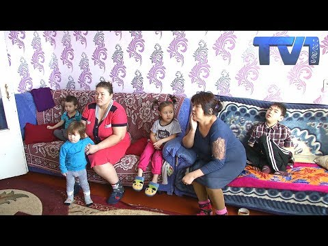 Мать-одиночка, воспитывающая пятерых детей без возможности встать на очередь на жилье.
