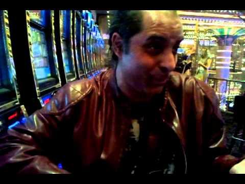 MoSa SiSic Interview o Violinisti u Casino