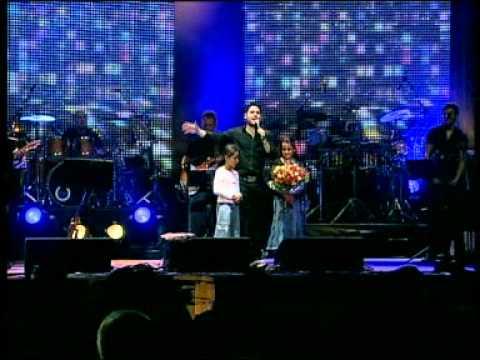 גד אלבז בהופעה חיה בקיסריה - עולם של ילדים  Gad Elbaz Live In Caesarea - Olam Shel Yeladim