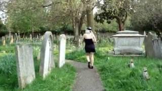 الجنس الثالث بشير في المقبره.. فيديو رعب حقيقي