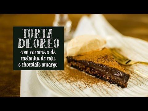 Torta de Oreo com caramelo de castanha de caju e chocolate amargo