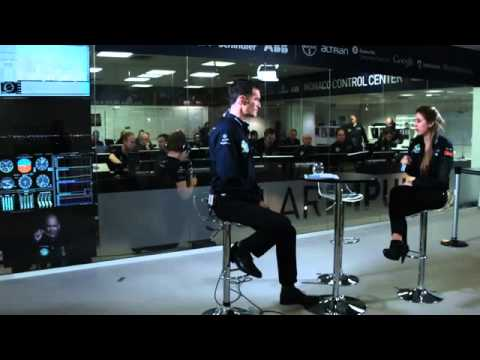 WWW IZLEVIDEO NET Solar Impulse Airplane Landing in Oman   First Round The World Solar Flight