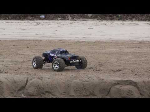 Traxxas Revo 3.3  5309 New Model on The Beach, North Coast, N.Ireland. FULL HD!