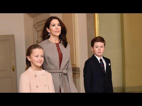 Kongelig ankomster til OL reception Christiansborg slot