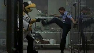 """Ван Дамм vs хоккейного талисмана """"Внезапная смерть"""" 1995 год."""