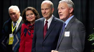 Auckland Mayor Phil Goff with President Russell M. Nelson in New Zealand