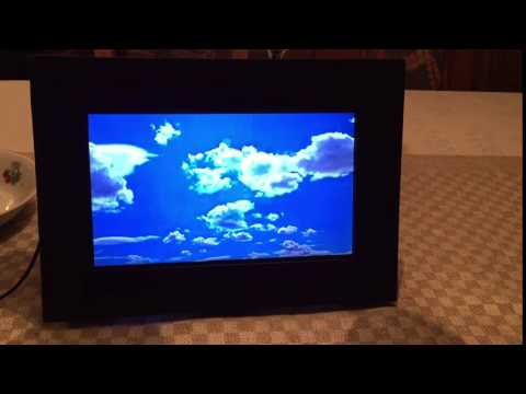 DIY Eee PC Laptop digital picture frame with YouTube videos