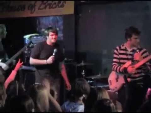 Valencia -  Live at the House of Bricks