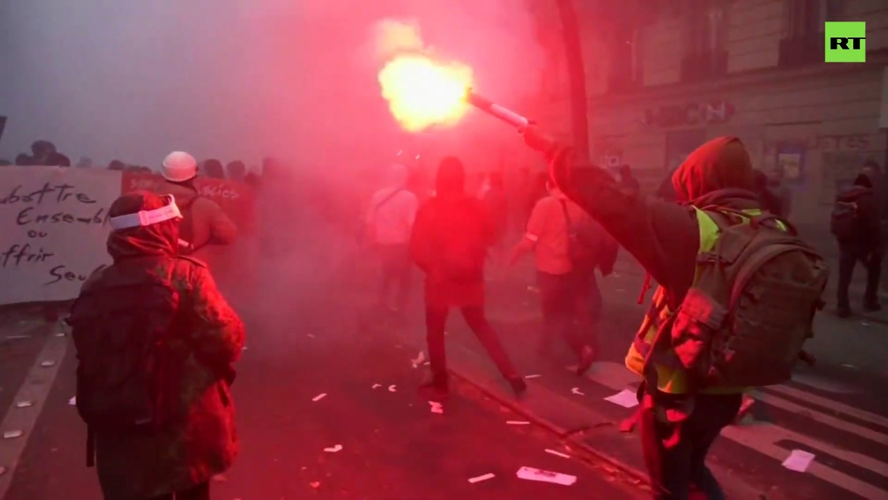 France | Damage wreaked on Parisian streets amid huge protests