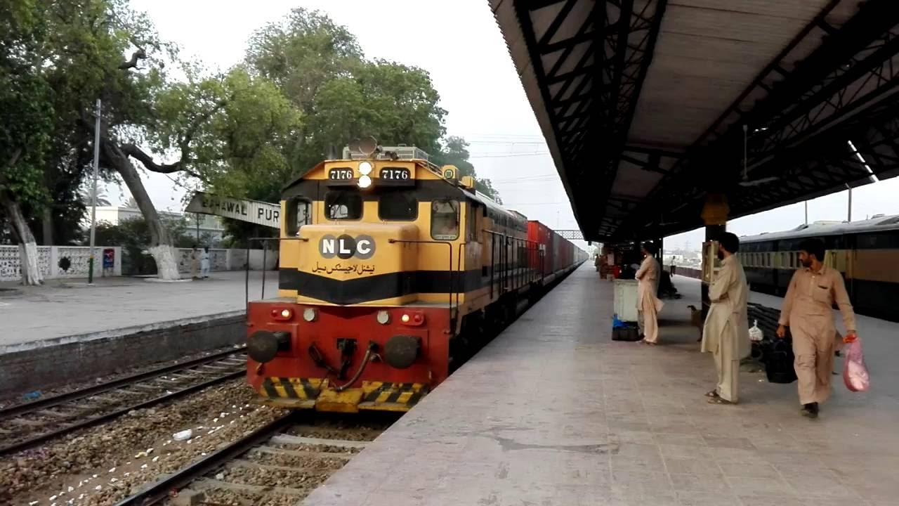 EMD #7176 Lead Up Container Train Passing Bahawalpur Railway Station