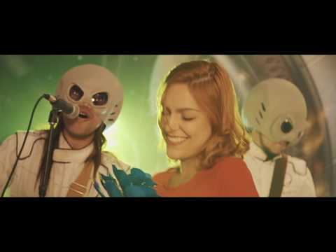 Alien Love - Ultra Aliens ( Video Oficial ) from YouTube · Duration:  4 minutes 21 seconds
