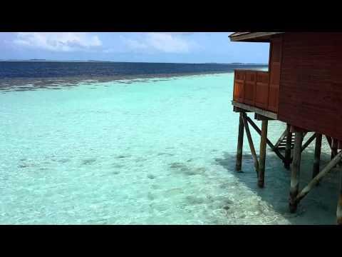 water villa Vilamendhoo Island Resort & Spa
