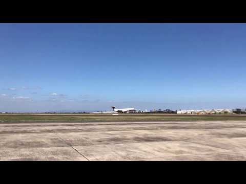Jet takeoff Essendon airport 4K