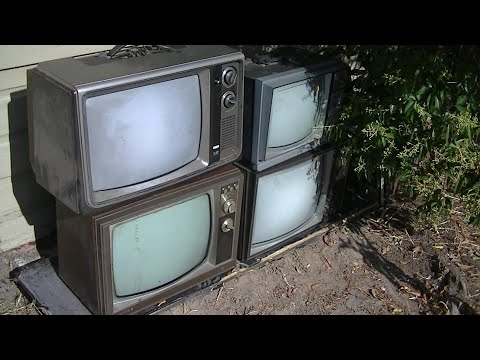 6 Vintage Tabletop Televisions And A Look Around FRYS Electronics Store