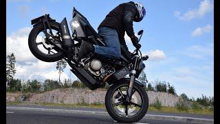 Husqvarna Svartpilen 701, Bomber Magazine test/stunt ride.