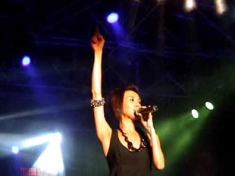 孙燕姿十分红演唱会 - 逆光 Stefanie Sun - Star Live Concert 2007