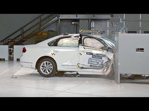 Volkswagen Passat (2017) IIHS Crash Test