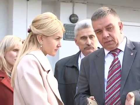 Юлия Светличная передала медоборудование Волчанской ЦРБ