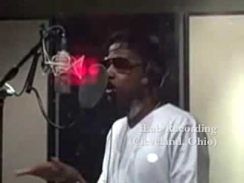 Fabolous in the studio recording (Throw it in the bag remix feat drake) Official Video