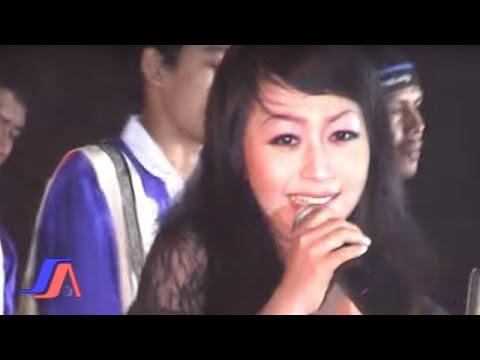 Amelia Amanda - Meriang (Official Karaoke Video)