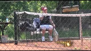 Baka Neda Ukraden igra tenis sa 40 godina mladjim momkom