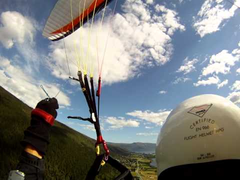 "Tore Brandal going paragliding tandem with Luis ""Mickey"" Fonseca from Skafjellet, Hareid (Headcam)"