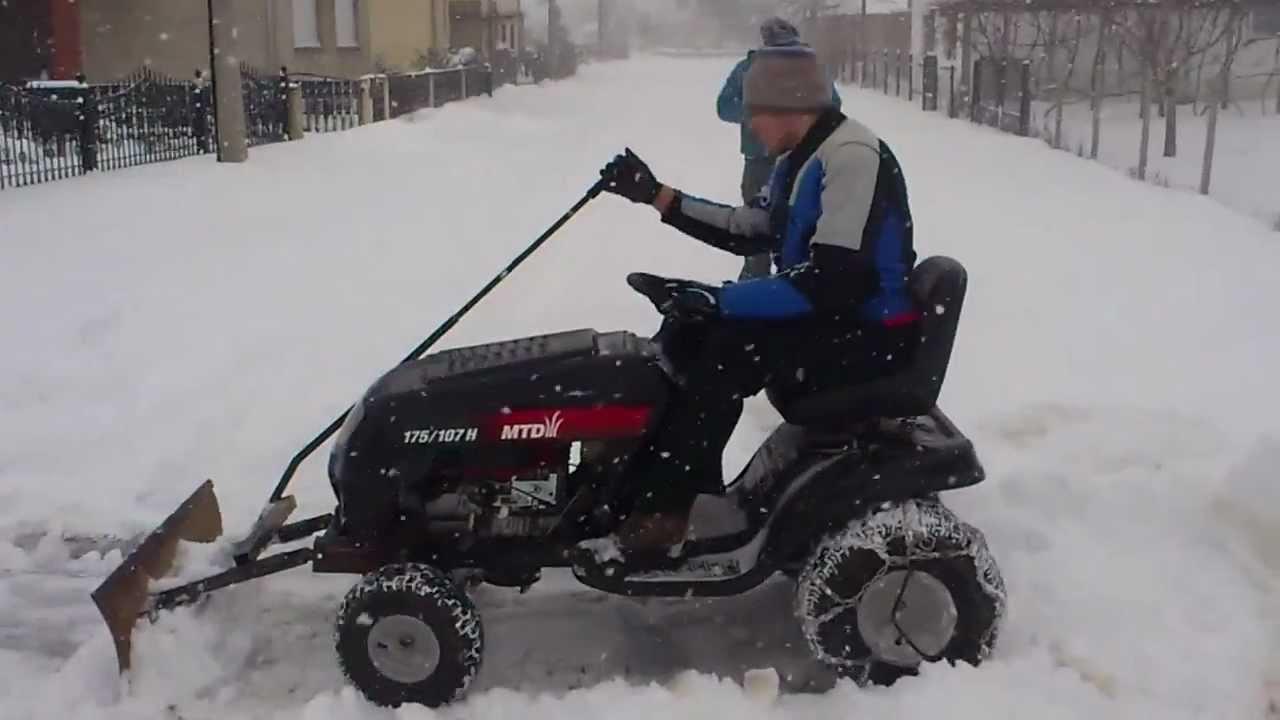 Garden Tractor Snow Plows : Mtd lawn mower with home made snow plow traktorić