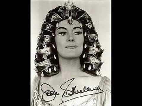 """Joan Sutherland sings """"Da tempeste il legno infranto"""" live"""