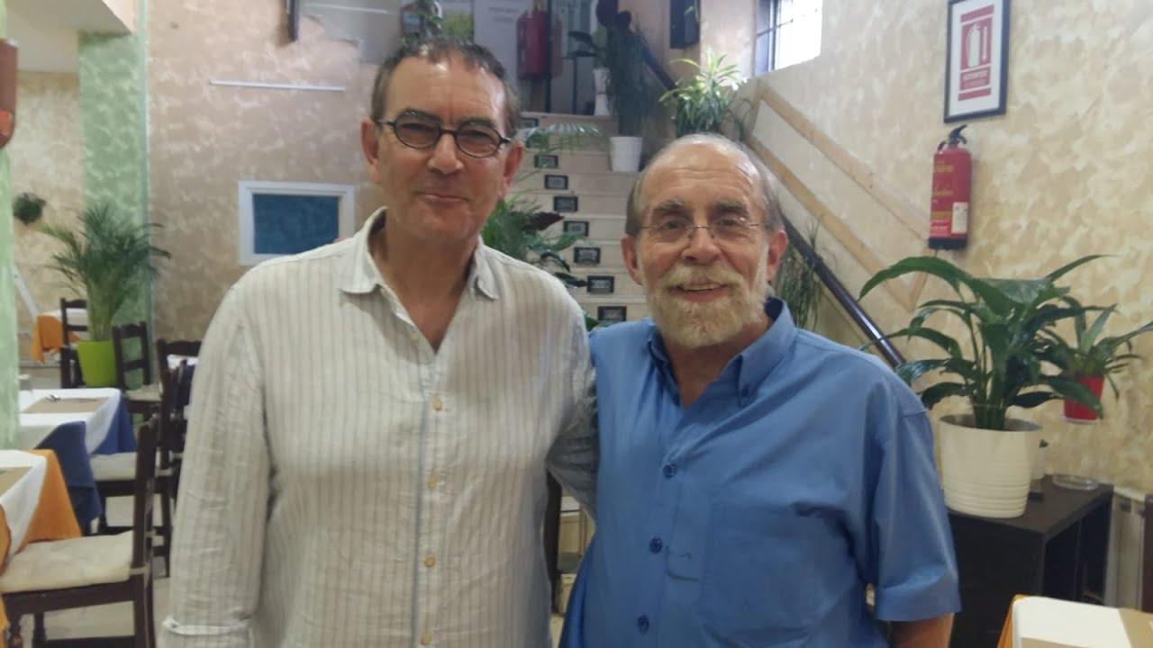 Emilio Carrillo con Enrique de Vicente: una Crisis orquestada, los ritos de las élites psicópatas y